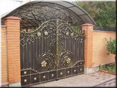 Ворота с калиткой для коттеджа, какой именно вариант сильнее.
